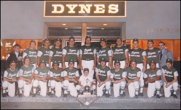 1972 Richmond Hill Dynes fastball team picture.