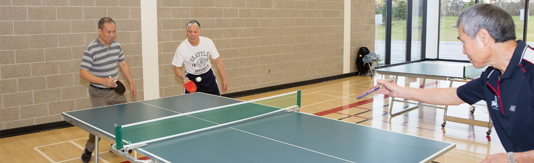Seniors playing table tennis