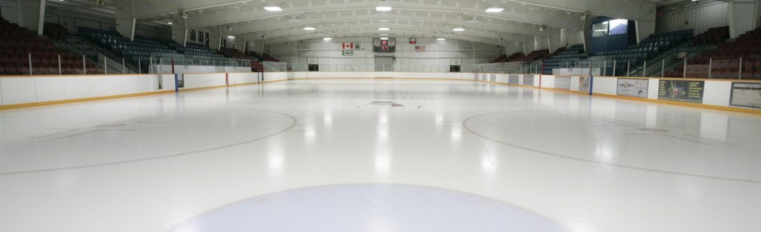 A clean ice surface at Elgin Barrow Arena